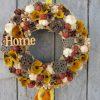 Természetes őszi ajtókoszorú nyírfakéreggel
