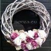 Ajtókoszorú lila rózsával, fonott alapon, 50 cm