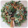 Őszi ajtókoszorú örökzöld alapon , hortenziával, csipkebogyóval