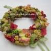 Tavaszi - nyári ajtókoszorú termésekkel, selyemvirágokkal, élénk színekkel