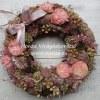 Tavaszi ajtókoszorú termésekkel, pasztell rózsaszín - natúr színekkel