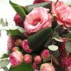 Rózsaszín csokor lisanthusszal, rózsával