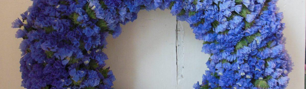 Nyári természetes ajtókoszorú sóvirággal