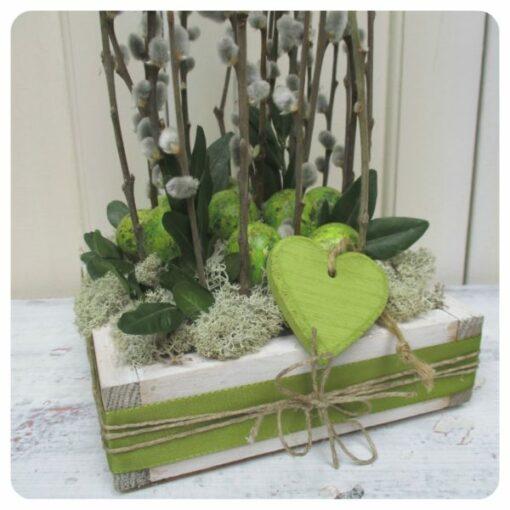 Tavaszi barkás asztaldekoráció natúr-zöld színben