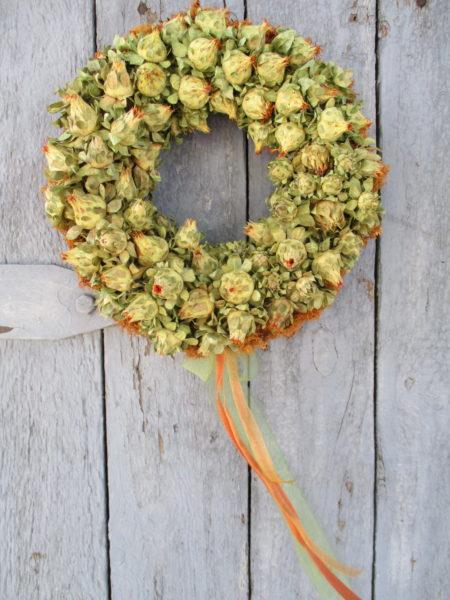 Őszi ajtókoszorú sáfránnyal, narancs-zöld színben