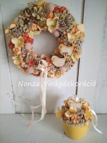 Ajtókoszorú és asztaldísz szett krém-narnacs-barna színben, madárkákkal