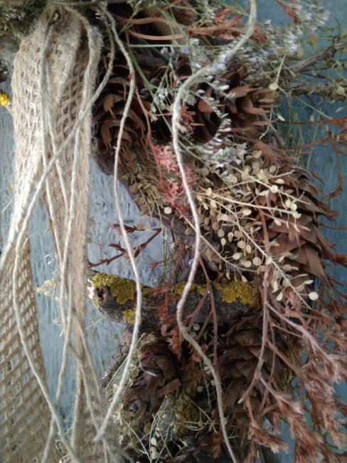 Nagy őszi ajtókoszorú természetes összetevőkkel, natúr színben