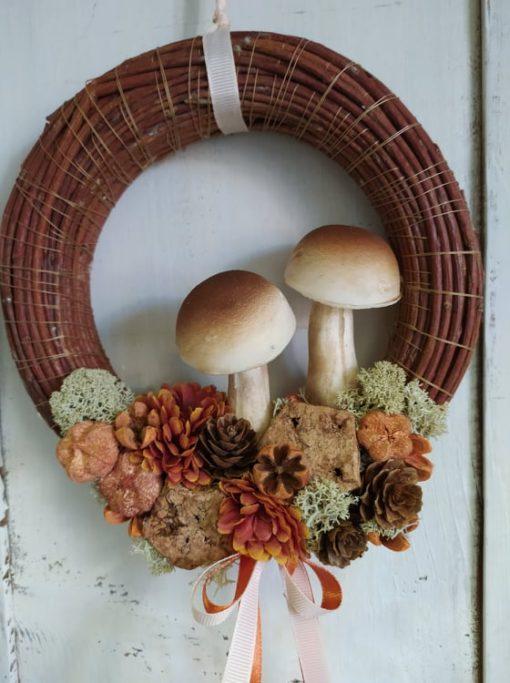Tartós őszi ajtókoszorú gombával, narancs-barna színben