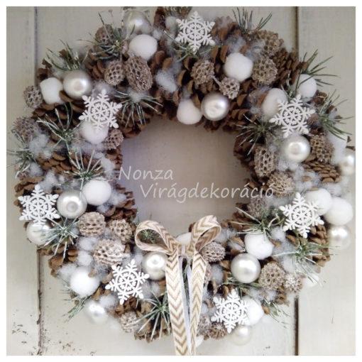 Téli ajtókoszorú barna-fehér színben