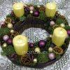 Adventi koszorú lila-krém színekkel
