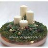 Adventi asztaldísz bronz tálban, természetes díszítéssel