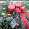 Karácsonyi fenyődísz temetőbe