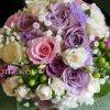 Menyasszonyi csokor lila-fehérben