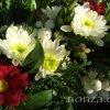 Élővirágokkal tűzött koszorú - részlet