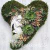Halottak napi moha szív angyallal, kövirózsával, természetes díszítéssel
